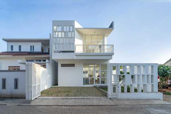 Model Minimalist Mewah Ivory House
