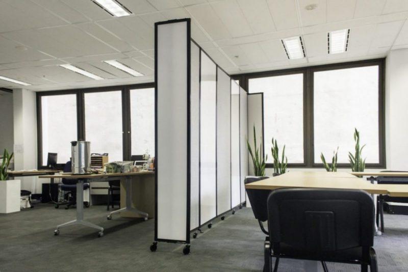 pembatas ruangan minimalis dari kaca