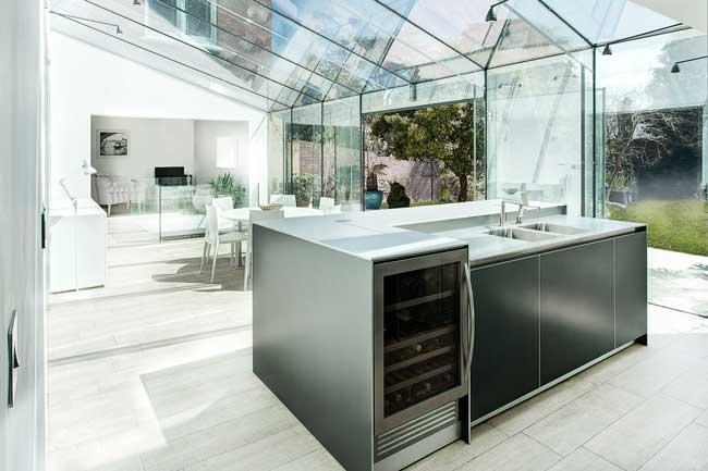interior rumah kaca transparan