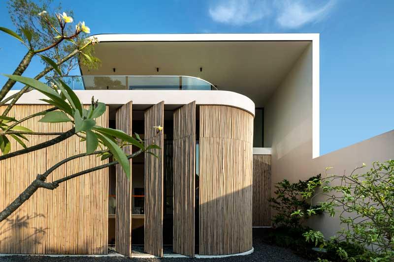 Desain Eksterior Bamboo Veil House
