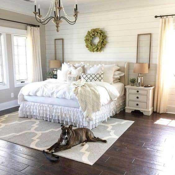 Warm farmhouse bedroom decor