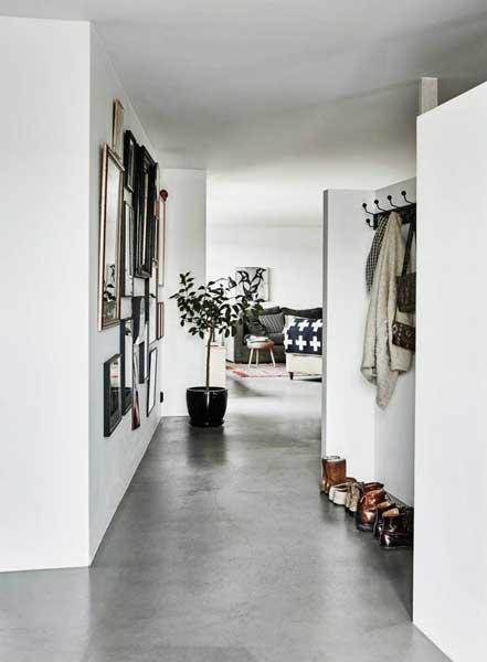 Keramik Lantai Ruang Tamu 60x60 Rumah Industrial