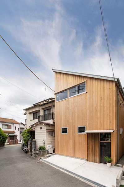 desain rumah sederhana dari kayu 2 Lantai