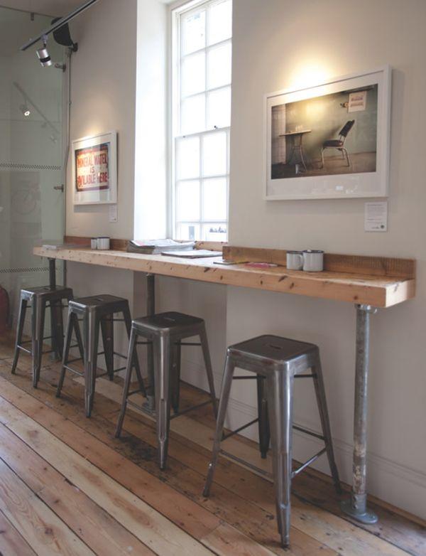 Kafe Klasik dengan Pencahayaan Alami