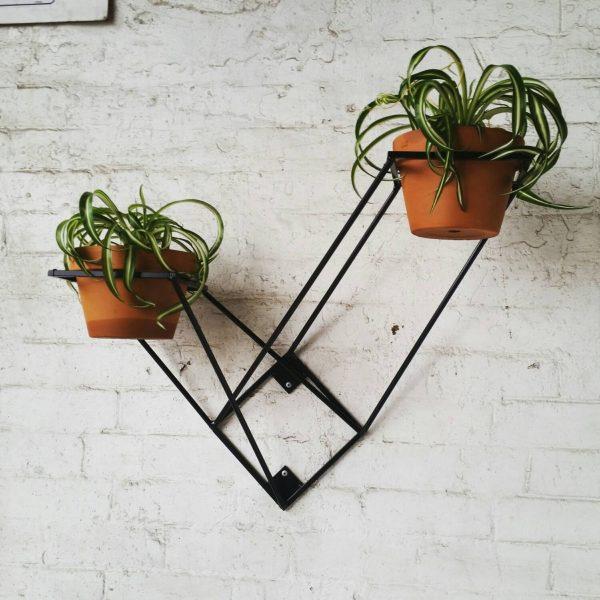 model rak bunga gantung dari besi