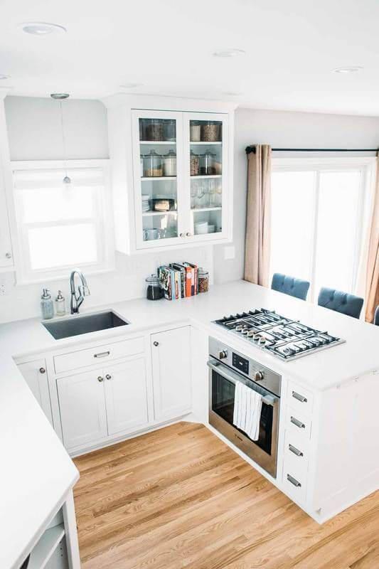 desain 2 dapur 2 x 1 putih