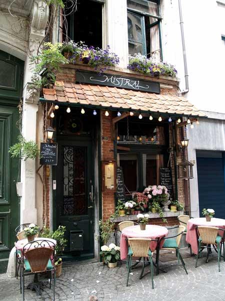 cafe outdoor klasik
