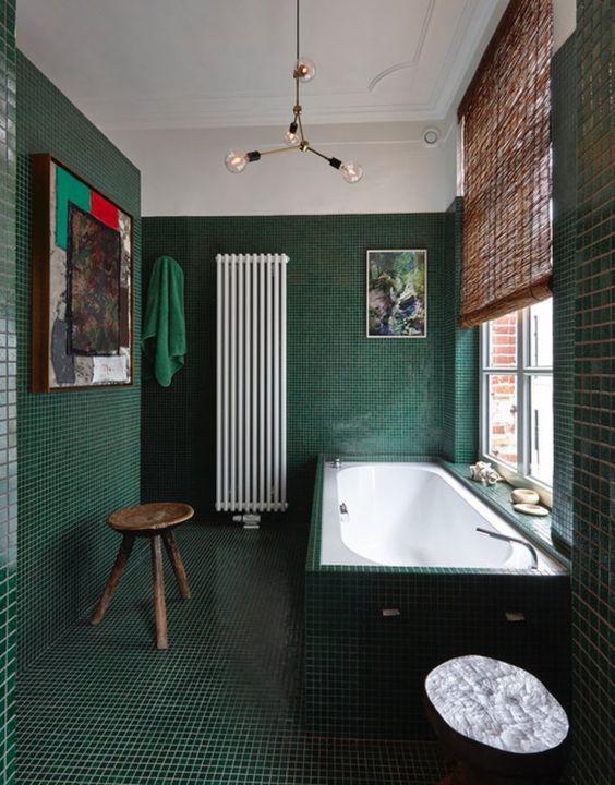 toilet hijau minimalis