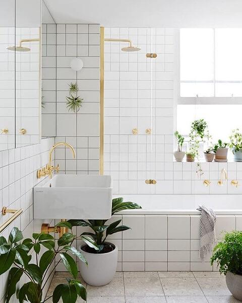 desain kamar mandi 2x3 indoor plant