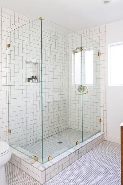 toilet kaca minimalis