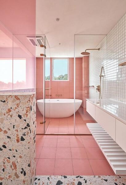 desain kamar mandi 2x3 pink