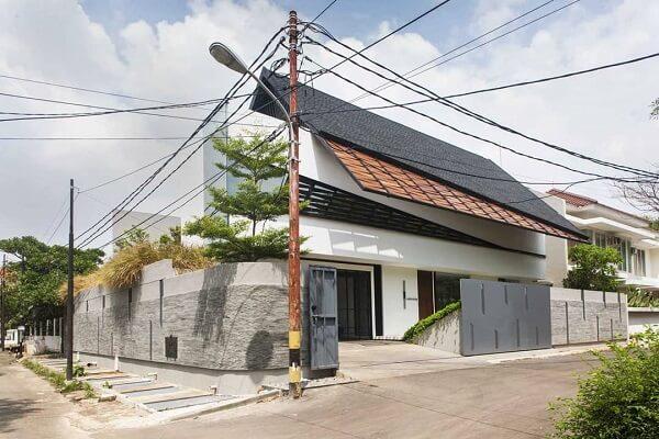 desain rumah atap miring kedepan