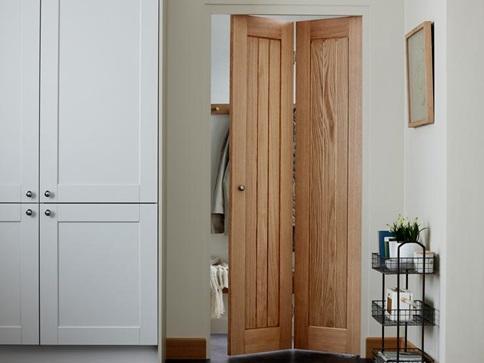 desain pintu kamar minimalis lipat