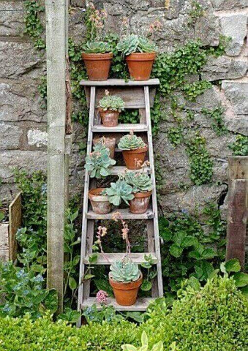 rak bunga kayu tangga bertingkat