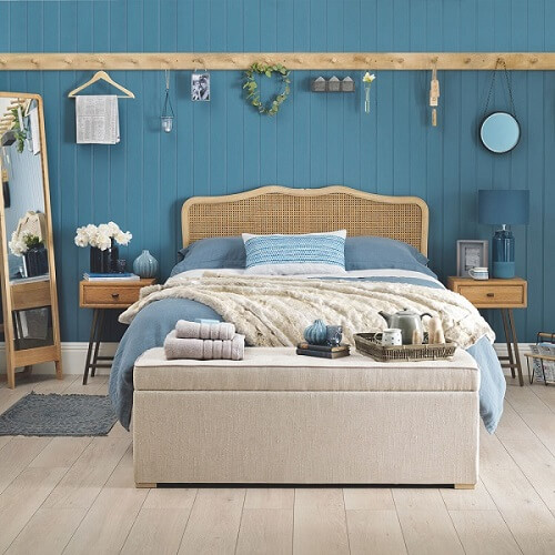kamar aesthetic biru