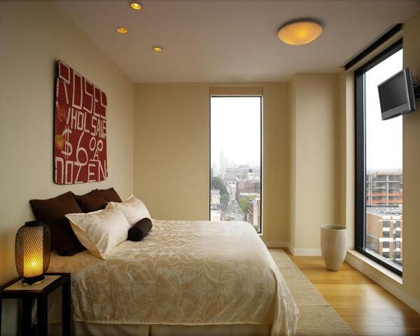 kombinasi plafon dinding beige netral