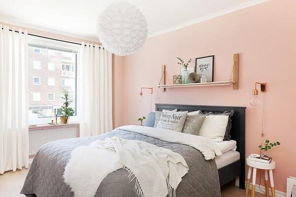 kombinasi warna plafon dinding peach