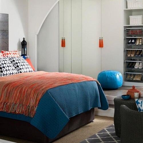 Model rak sepatu di kamar tidur