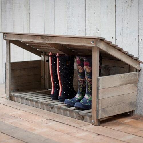Tempat penampungan boot luar ruangan